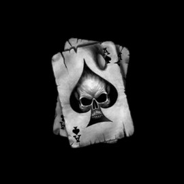 Black tee shirt Poker card skull