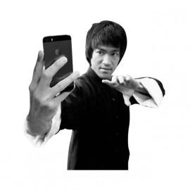 shirt Bruce Lee white selfie