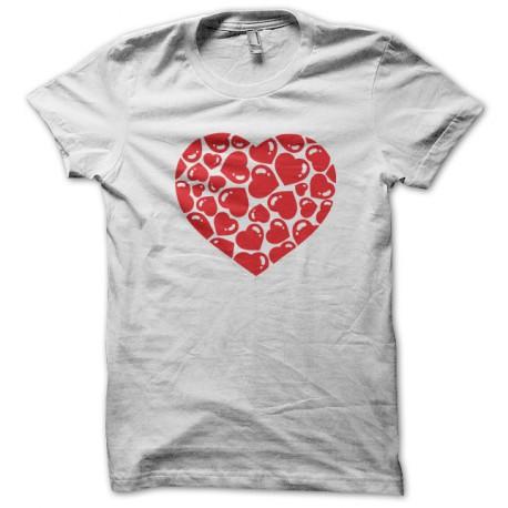 camisa blanca del corazón