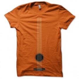 camisa naranja guitarra