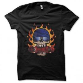 camiseta del negro de la camisa el patín o muere