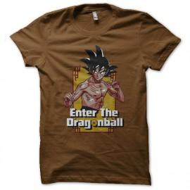 Escribe la camisa marrón Dragonball